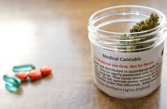Why Cannabis Oil Is Better Than Prescription Painkillers