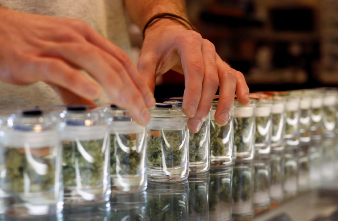 Medical Marijuana May Reduce Opioid Use A Little